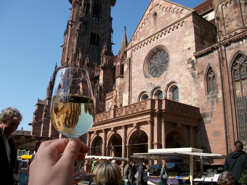 ドイツ旅行で地ビールとソーセージ(ヴルスト)!特におすすめヴルスト2選とは?