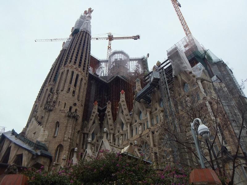 スペインバルセロナのサグラダ・ファミリアは未完成でも芸術を感じる